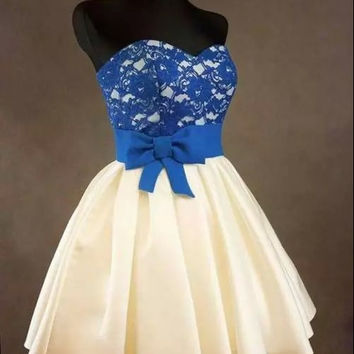Lace Homecoming Dress with bowknot Short Cute Evening Dress