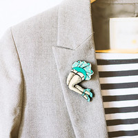 Funny Brooch Lady in Wind, funny irony party time jewelry, mint green and beige, handpainted jewelry, pin-up style fashion jewelry