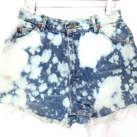 "90's Dyed High Rise Lee cut off denim shorts size - M/L - 30"" waist"