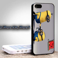 Amazing Despicable Me Minion Iphone 5, iPhone 4, or iPhone 4s Case Cover Plastic