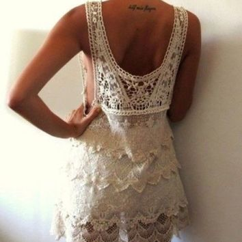 FREE GIFT + Vtg HIPPIE people Floral SCALLOP CROCHET Romantic LACE dress TOP