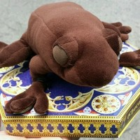 Wizarding World Harry Potter Chocolate Frog Scented Plush Diagon Alley NEW