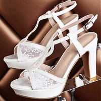 [14.44] In Stock Lace Upper Peep Toe Rough Heels Bridal Shoes - Dressilyme.com
