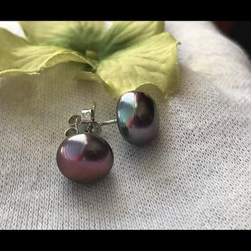 Tahitian black pearl stud earrings