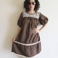 Vintage Brown and White Embroiderd Mexican Pin Tuck Folk Hippy Boho Festival Full Dress