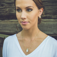 Trapped Stone Necklace in Gold
