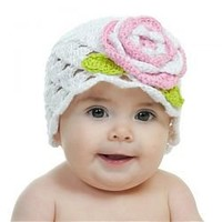 Scalloped Crochet Hat in White with pink and white flower