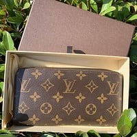 Louis Vuitton Zippy Wallet Monogram Canvas Bag