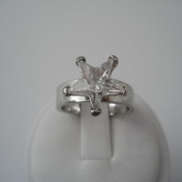 Sterling Silver 925 Crystal Star Ring Size 8.5 Misaki 925