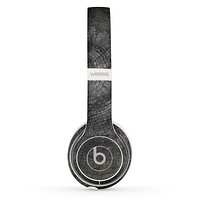 The Cracked Wood Stump Skin Set for the Beats by Dre Solo 2 Wireless Headphones