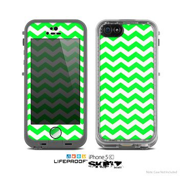 The Lime Green & White Chevron Pattern Skin for the Apple iPhone 5c LifeProof Case
