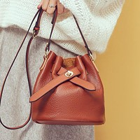 New simple and fashionable all-match one-shoulder messenger bag bucket bag