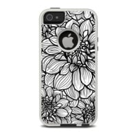The White and Black Flower Illustration Apple iPhone 5-5s Otterbox Commuter Case Skin Set