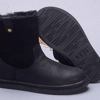 Best Online Sale Ugg 1007711 Leather Black Classic II Mini Boot Sheepskin Boots Snow Boots