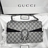 GUCCI Hot Selling Fashion Divine Wine Strip Old Flower Bag New Snake Square Inclined Baotou Shoulder Grinding Bag apricot