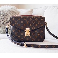 Onewel LV Bag Louis Vuitton Classic Square Type Contrast Bag Shoulder Bag Coffee Print