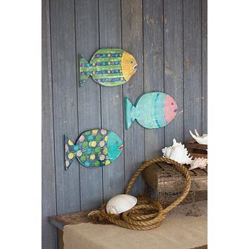 Set Of 3 Painted Wooden Fish Wall Hangings 1