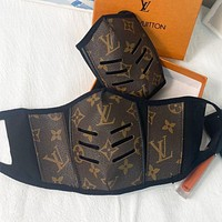 LV Louis Vuitton classic hot sale retro printed letter face mask mask (safely disinfected)