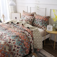 DaDa Bedding Bohemian Floral Paisley Garden Party Quilted Bedspread Set (LH1403)