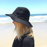 Up Top Wool Hat In Black