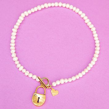 Pearl Toggle Lock Necklace