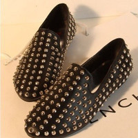 Rivet black flat shoes