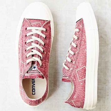 Converse X UO Chuck Taylor All Star Washed Low-Top Women's Sneaker- Pink