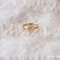 Tiny Shell Pinky ring -simple everyday ring -dainty ring