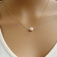 Sweet Pearl Pendant Necklace For Women (Color: Gold) = 5979159233