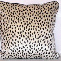 Dalmatian spots – White and black velvet piping pillow 18x18