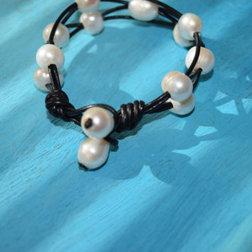 Pearl and Leather Bracelet Cuff Freshwater // Layering Bracelet // Beach Resort Jewelry Accessories // Pearlsonite New Mexican Styled Cuff