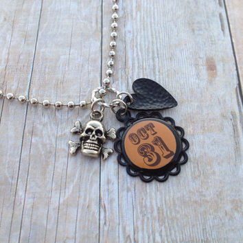Silver Halloween Necklace, Oct 31 Charm Skull Black Heart