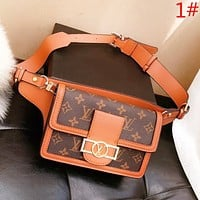 Samplefine2 LV Louis Vuitton Fashion New Leather Shoulder Bag Leisure Women Waist Bag
