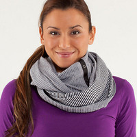 vinyasa scarf | women's scarves, mitts and toques | lululemon athletica