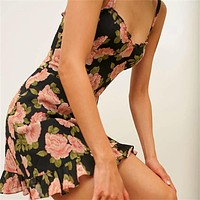 2020 new women's retro V-neck elastic folds sexy slim ruffled sling skirt dress