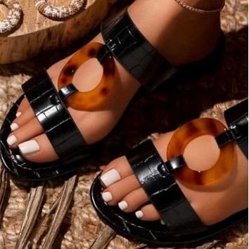 Explosive style hot sale fashion ring flat bottom all-match flip-flop