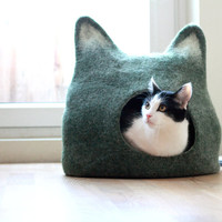 Cat bed - cat cave - cat house - eco-friendly handmade felted wool cat bed - green with natural white - made to order
