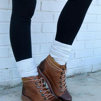 SZ 9.5 Top Rank Brown Lace Up Ankle Boot With Heavy Tread