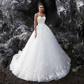 New Arrival Long White Wedding Dress 2019 Sweetheart Neck Off the Shoulder Ball Gown Appliques Tulle Bridal Gowns Vestidos