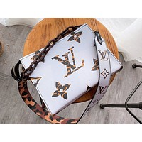 LV Louis vuitton casual ladies monogrammed logo two-sided make-up bag cross shoulder bag High quality