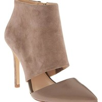 Lexia Hooded Pump