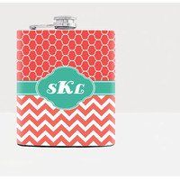 Personalized flask / Flask for women / Bridesmaid flask / Bridal party gifts / Custom name / Coral chevron stripe / Zig Zagt pattern / 7 oz