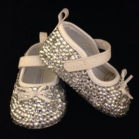 White baby shoes covered in clear crystals, blessing shoes, baptism shoes, white booties, toddler bling shoes, Cinderella shoes