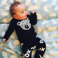 2018 New Fashion Baby Boy Clothes Set Cotton Long Sleeve Bear Letters Printing T Shirt+Pants 2pcs Newborn Baby Girl Clothing Set