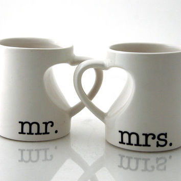 Mr & Mrs. mug set for couples, bride and groom, wedding, anniversary gift, hearts
