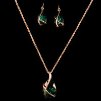 18K Gold Green Stone Earring & Necklace Set