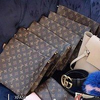 LV Trending Cosmetic Bag Handbag Men's Business Bag Louis Vuitton Classic Clutch Bag