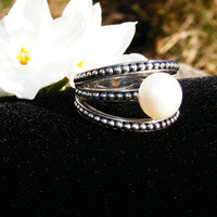 Vintage Sterling Silver & Glass Pearl Cocktail Ring