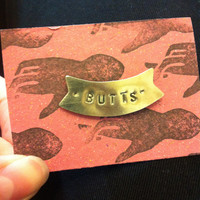 """""""Butts"""" pin - Victoire Boutique"""