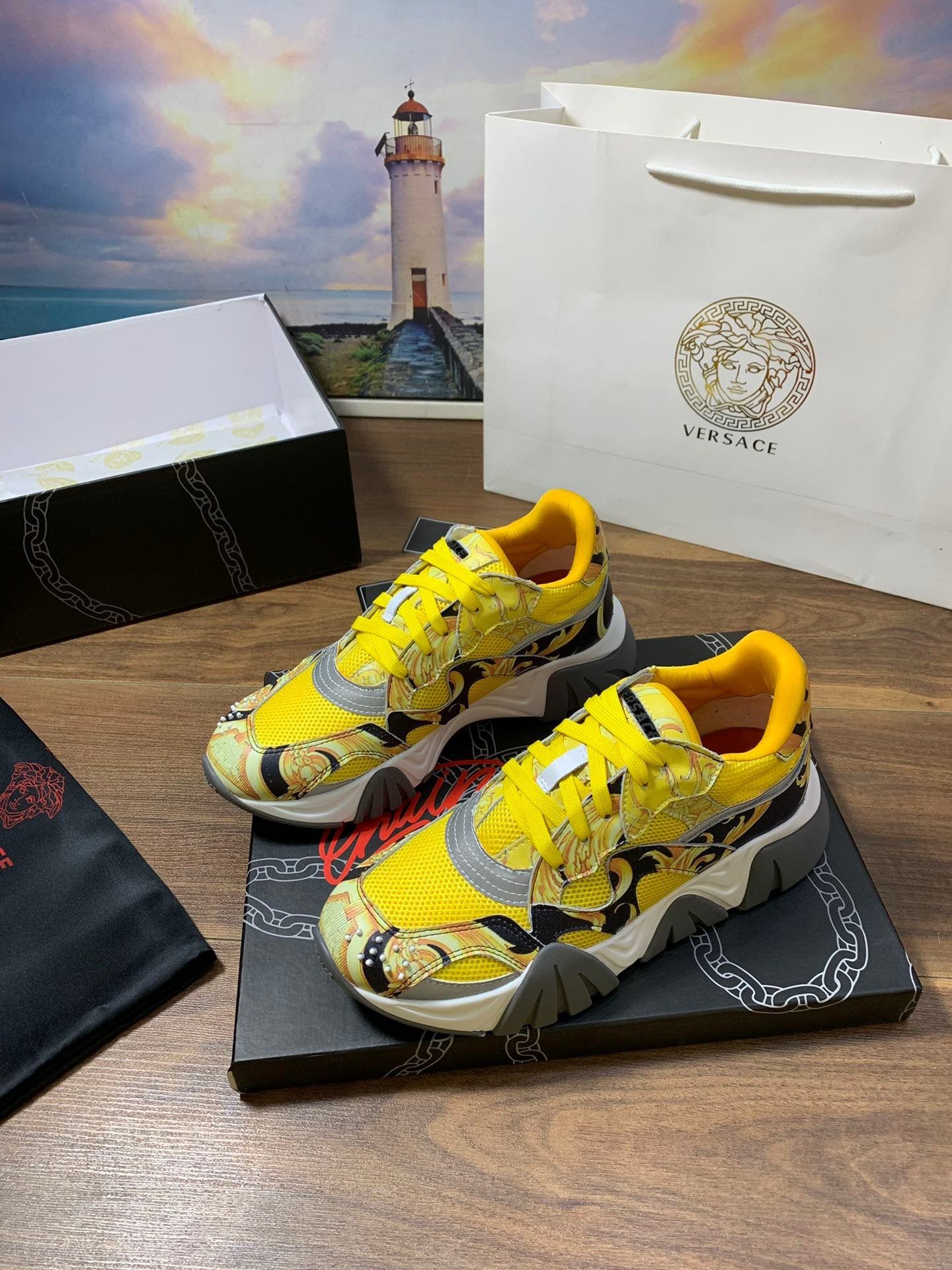 Image of Versace Women's Leather Fashion Low Top Sneakers Shoes